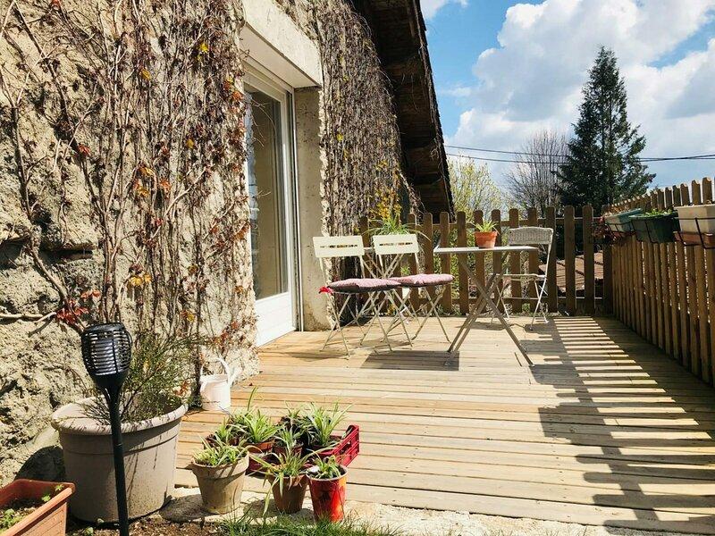Studio : Au paradis du Loir, holiday rental in Le Mayet-de-Montagne