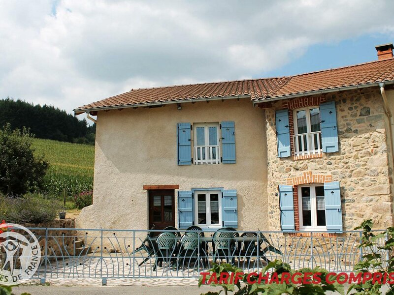 Les Amis, holiday rental in Champoly