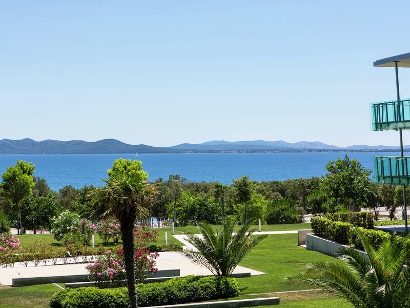 Luxury apartment with two bathrooms, at 13 km. from Zadar, holiday rental in Petrcane