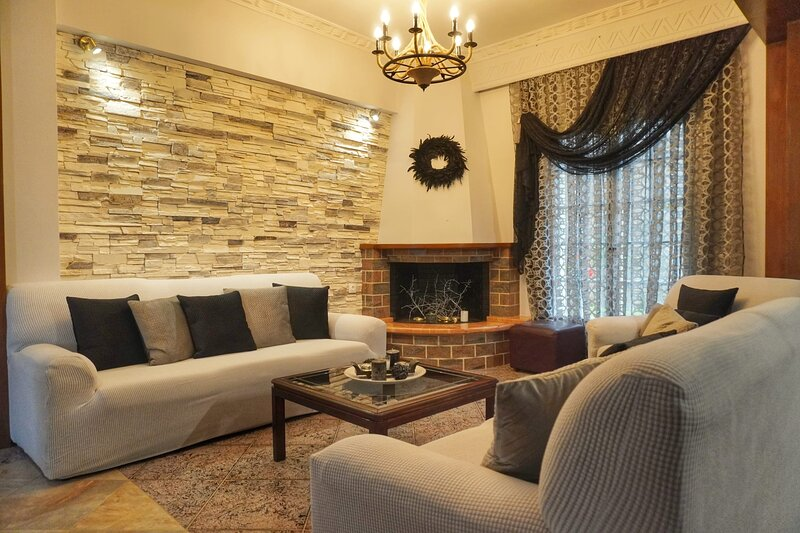Corfu Spacious Garden Home-Fully Equipped Retreat, holiday rental in Pentati