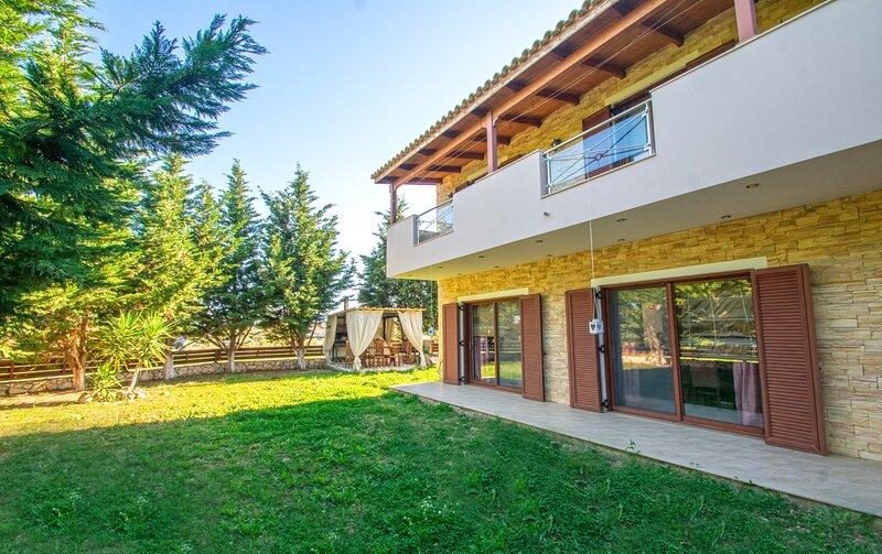 Peroulis Villa, holiday rental in Laganas