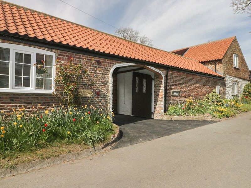 TWITCHERS' DEN, ground floor cottage, off road parking, patio, near, alquiler vacacional en Harpham