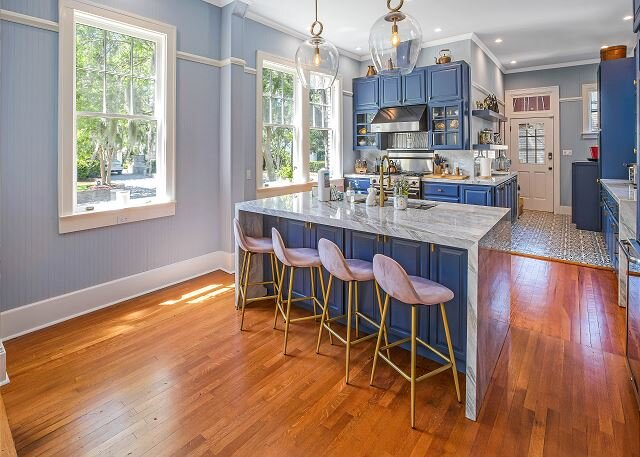 Flexible Refund Policies: Exquisite Victorian Estate w/ Private Pool, Parking, holiday rental in Georgetown