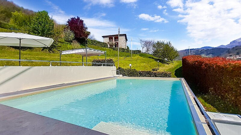 pool, garden and amazing views