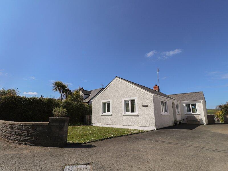 TAWELWCH, 2 bedroom, Pembrokeshire, casa vacanza a Dinas Cross