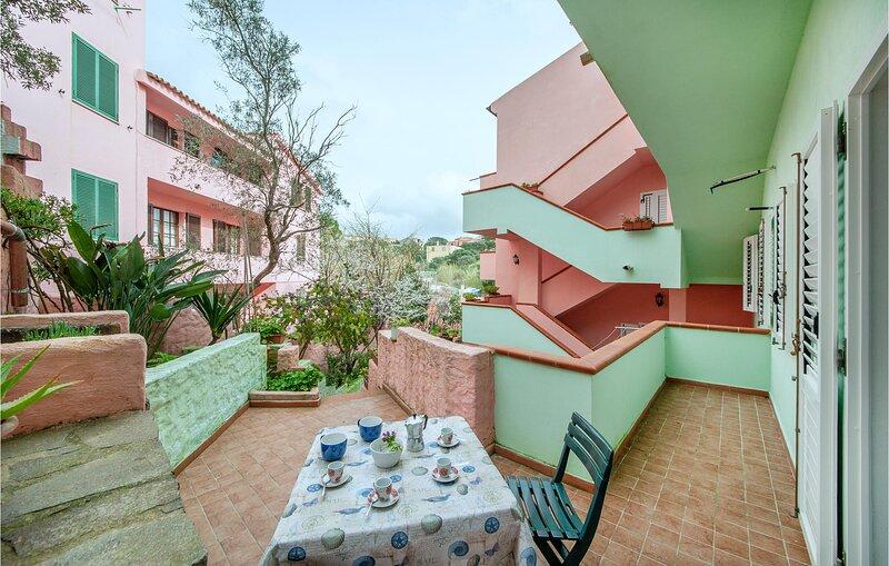 Stunning apartment in La Maddalena with 1 Bedrooms (IGG182) – semesterbostad i Moneta