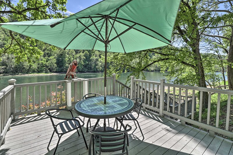 NEW! Lakeview Escape - Direct White River Access!, holiday rental in Lakeview