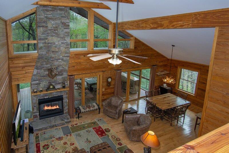 Blissful Bears Mountain Retreat, vacation rental in Rosman