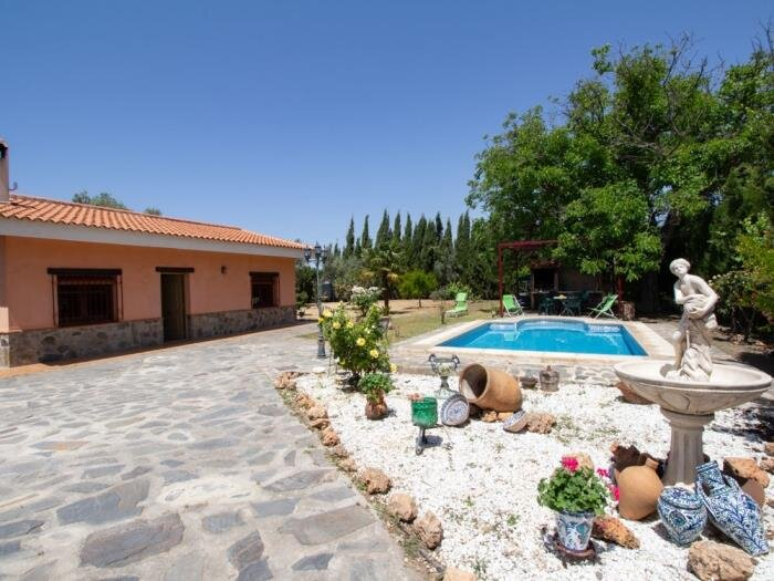 Andalusian rustic farmhouse with private pool and wifi, vacation rental in Pinos del Valle