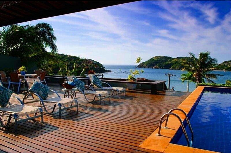 BÚZIOS PRIME Vista Mar, 50m da Praia da Ferradura, 8 suítes, alquiler de vacaciones en Búzios