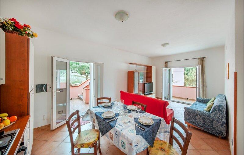 Nice apartment in La Maddalena with 1 Bedrooms (IGG183) – semesterbostad i Moneta