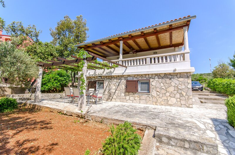 House Anima, holiday rental in Maslinica