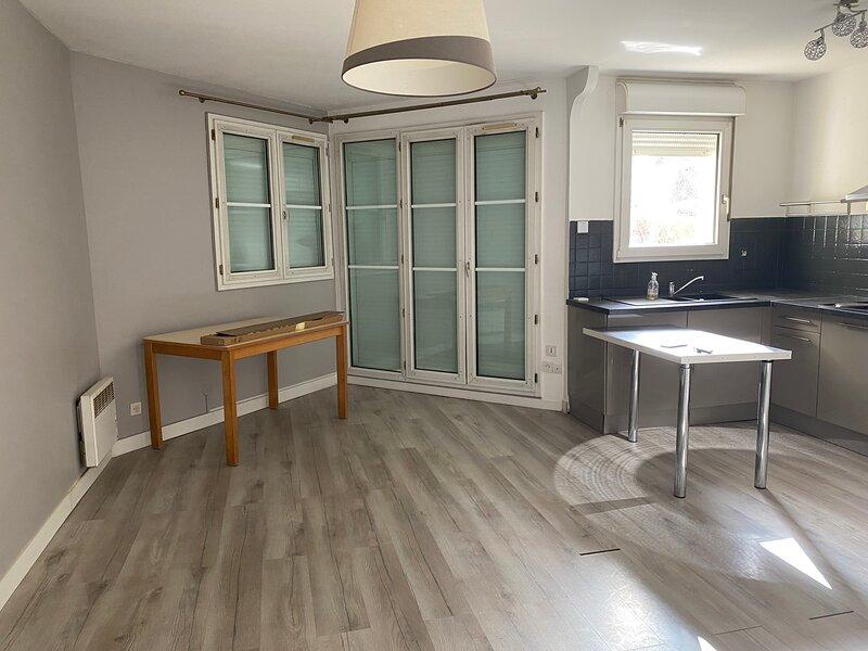 Location appartement à 30 min de paris centre, location de vacances à Drancy