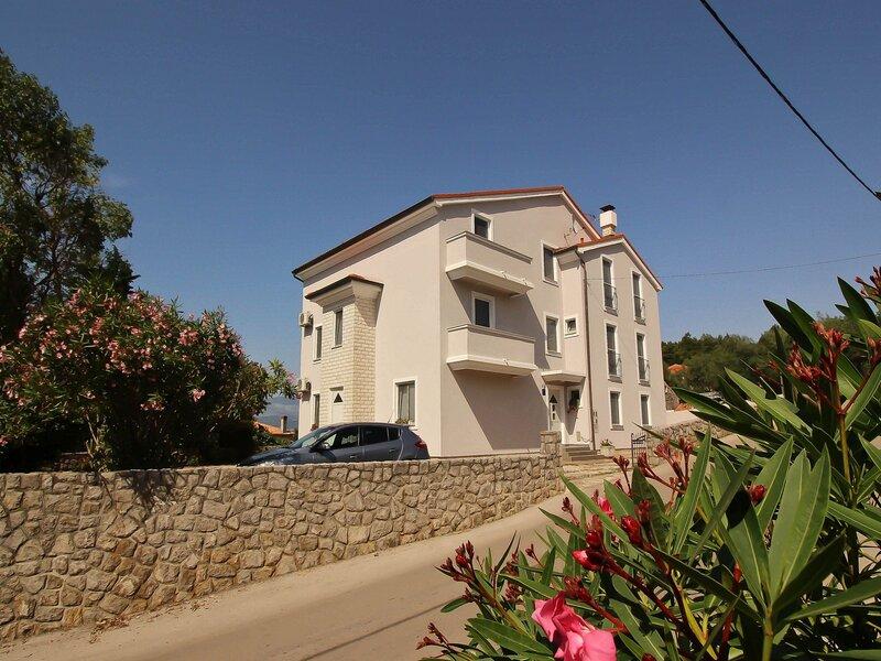 Apartments Mihinjač, holiday rental in Soline