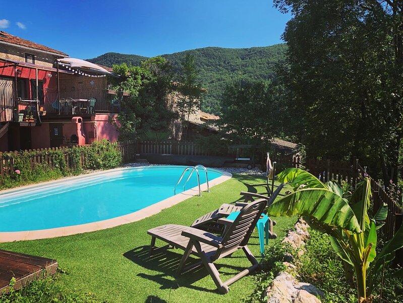 Gîte Tanagra : maison avec piscine et vue exceptionnelle, alquiler vacacional en Foix