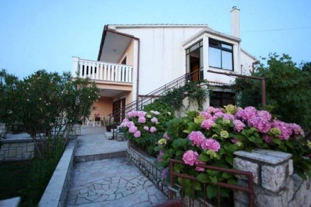 Apartments Grskovic G. Jesenovica, alquiler de vacaciones en Silo