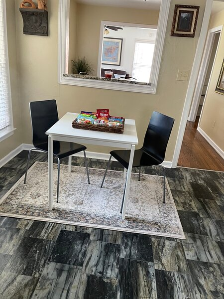 Cute centrally located house close to okc downtown, vacation rental in Nichols Hills