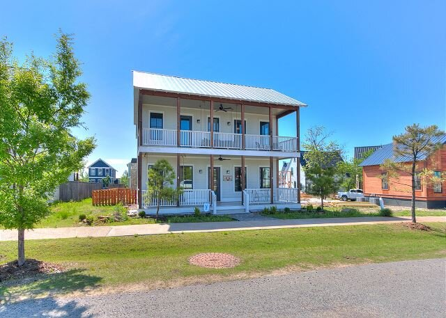 Carlton Landing- Beautiful new home on Redbud, holiday rental in Longtown