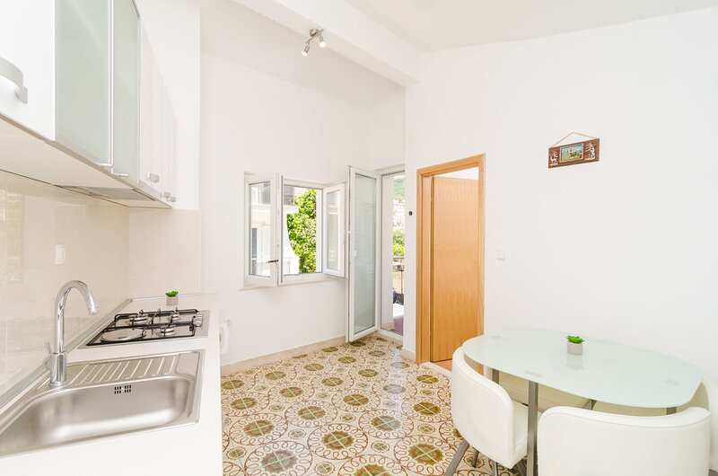 Apartment Mato, location de vacances à Kupari