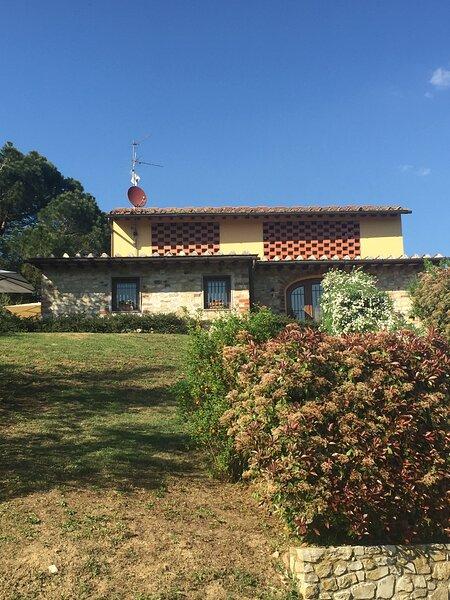 La Casa dell' Ambra- Charming old barn, vacation rental in Rignano sull'Arno