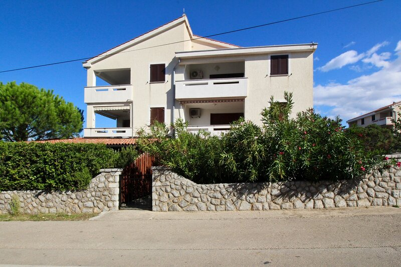 Apartments Filipec Milena, holiday rental in Punat