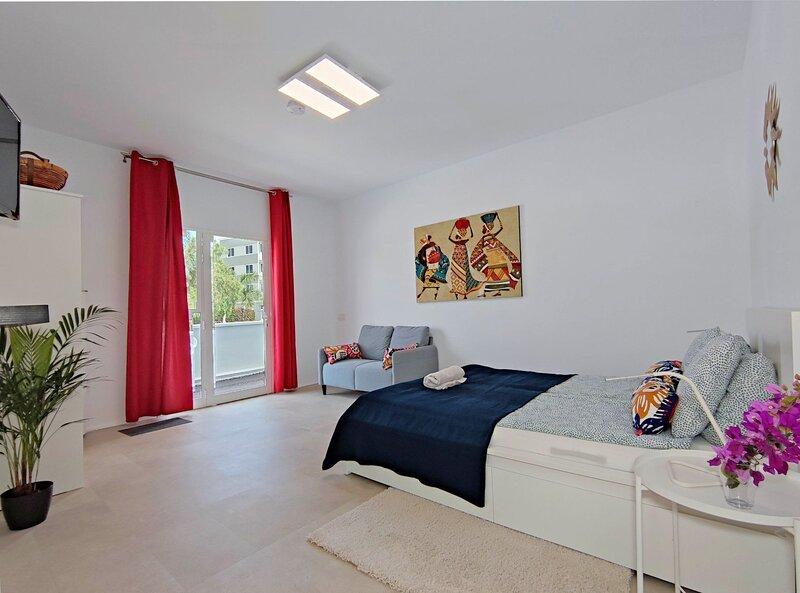 Fantastico 2 - Top Studio in Zentrum von Puerto de la Cruz - Teneriffa, holiday rental in Punta Brava