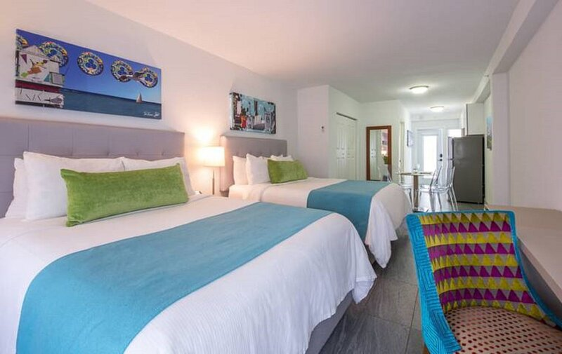 Modern Urban Oasis Getaway Near North Beach Miami, casa vacanza a North Bay Village