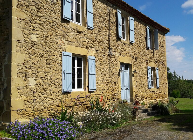 A beautiful chambre d'hote in the French countryside, holiday rental in Saint-Christaud