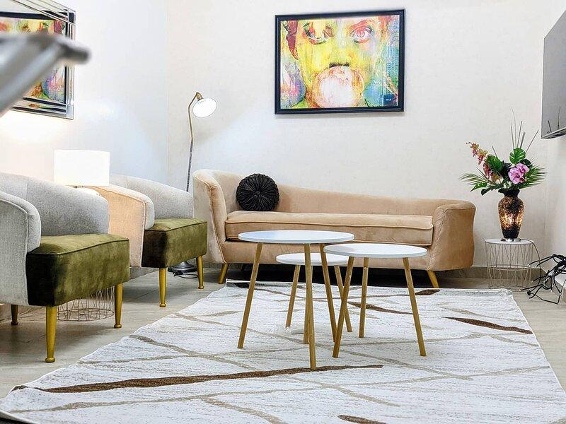 Ebi's Luxury Home Away From Home – semesterbostad i Festac Town