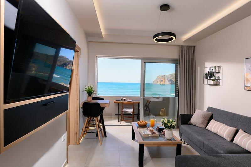 Just Creta Beach front apartment No 2, holiday rental in Nea Kydonia