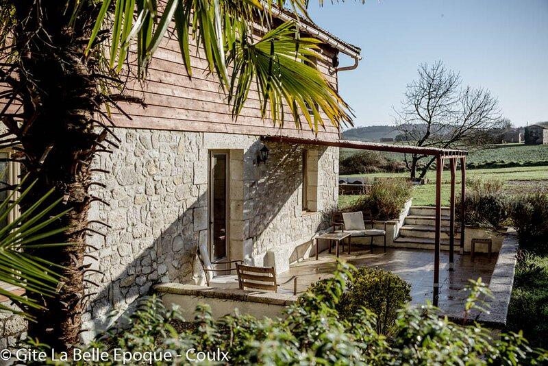 Belle Époque - 14+1 places, spacieux, piscine privée et adapté aux enfants., vacation rental in Labretonie