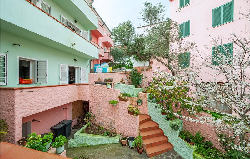 Amazing apartment in La Maddalena with 1 Bedrooms (IGG197) – semesterbostad i Moneta