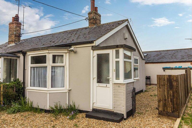 Lovely seaside holiday cottage in Heacham, Norfolk ref 99052PA, alquiler vacacional en Heacham