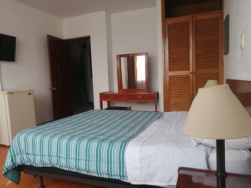 Habitacion comoda y muy espaciosa con excelente ubicacion, location de vacances à Choachi