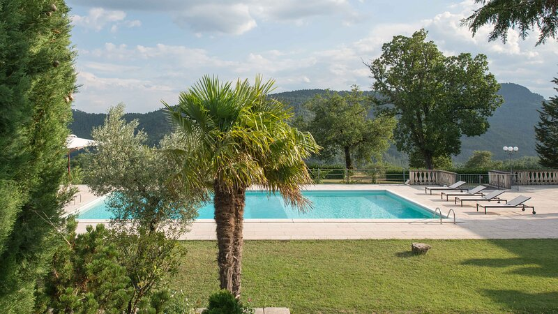 LUXURY VILLA: 60 hectare estate, newly renovated, private pool, tennis., holiday rental in Anghiari
