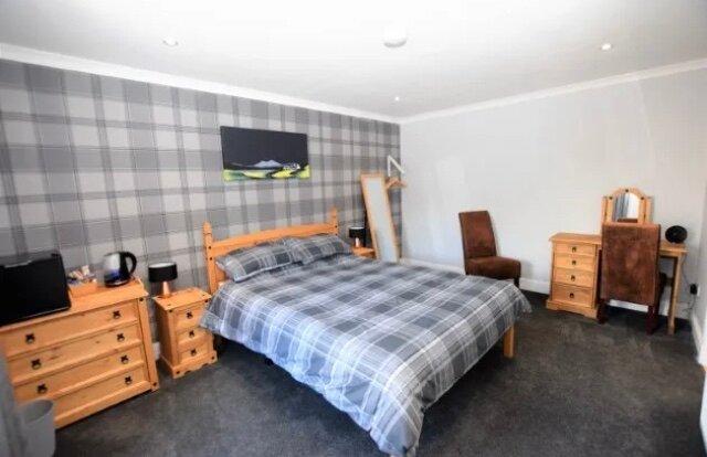 King Size Room with large En Suite, alquiler de vacaciones en Roster