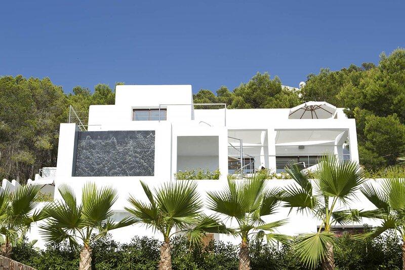 Villa Ginny, holiday rental in Sant Antoni de Portmany