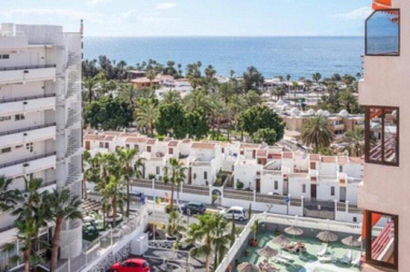The Olimpia Building, located next to Playa del Bobo in Playa de las Americas,, holiday rental in La Caldera