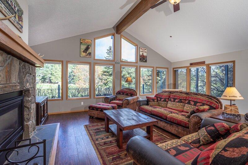 Flathead Valley - BF - Eagle Bend Retreat, vacation rental in Bigfork