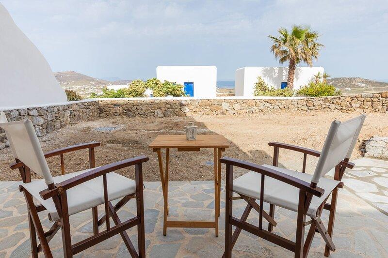 Icarus Mykonos Sunset - Cozy Private Retreat, alquiler vacacional en Ano Mera