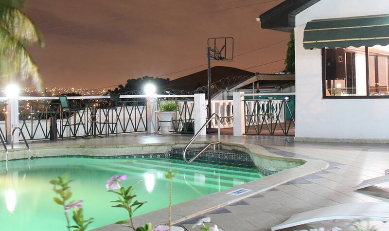Hill View Hotel-mccathy Hills, vacation rental in Odorkor