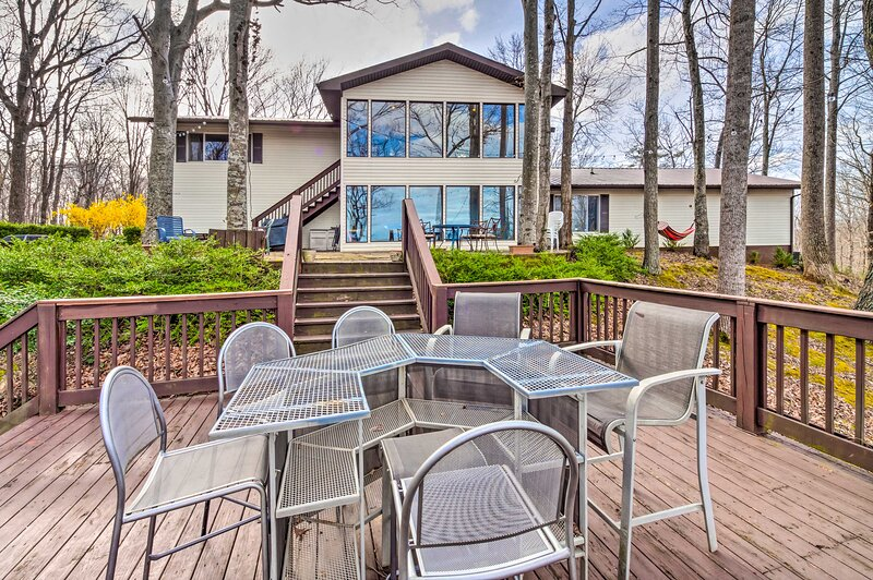 Lake Cumberland Home: ½ Mi to Beaver Creek Marina!, alquiler vacacional en Monticello