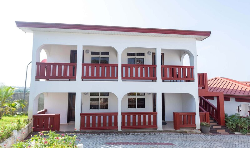 Royal Elmount Hotel-family Apartment, holiday rental in Central Region