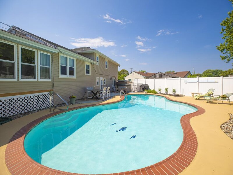 SUNSET DREAMS - BAY BLOCK, POOL, PET FRIENDLY 148107, holiday rental in North Cape May