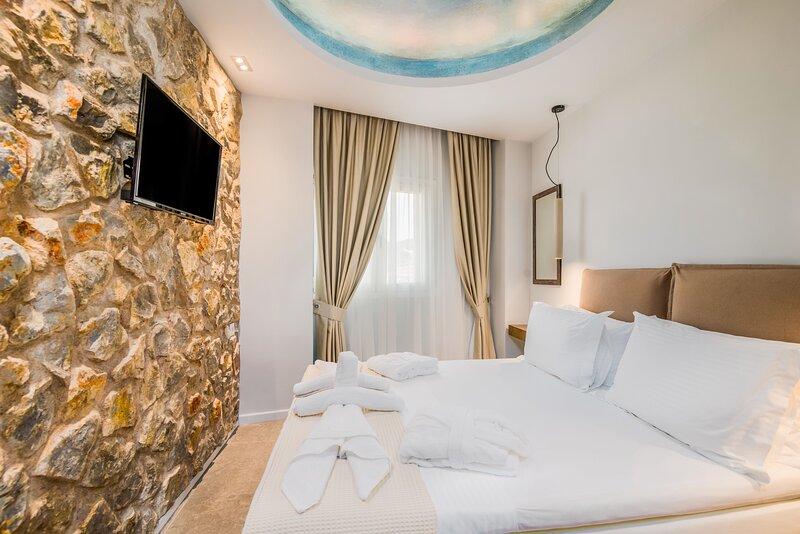 Bella Terra Houses 2, holiday rental in Roda