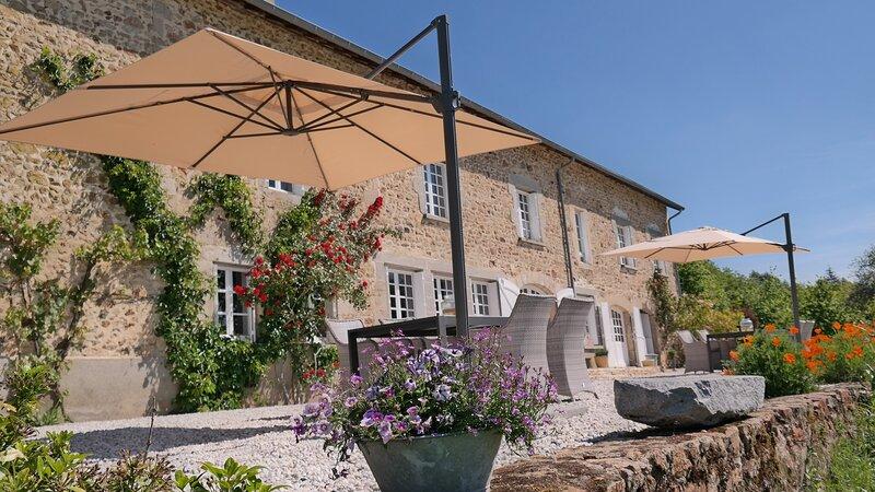 Luxe kamer met ligbad en geweldig uitzicht, location de vacances à Roziers-Saint-Georges