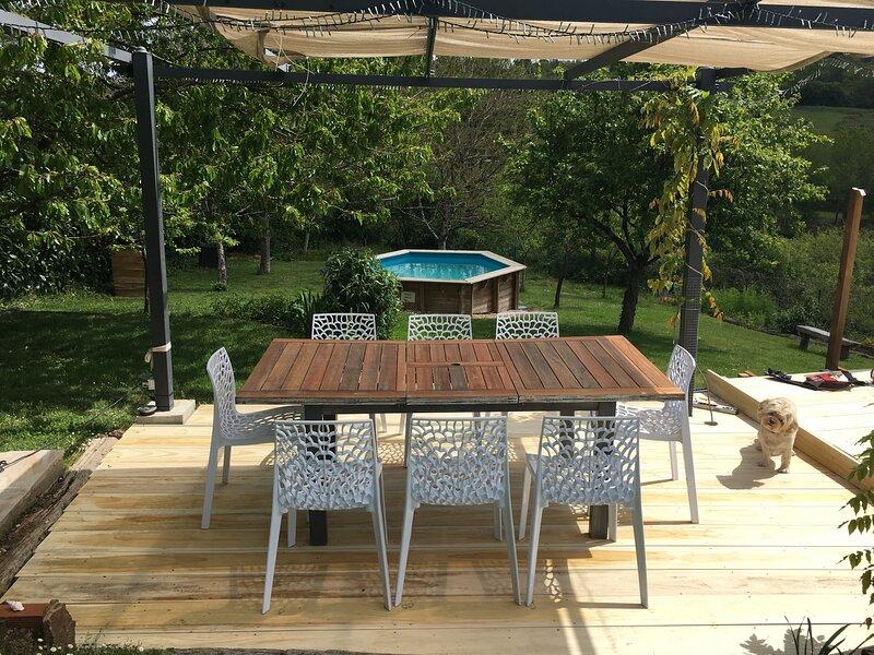 Maison La Roche Gite with Private Pool in L'isle Jourdain, 86150, holiday rental in Le Vigeant