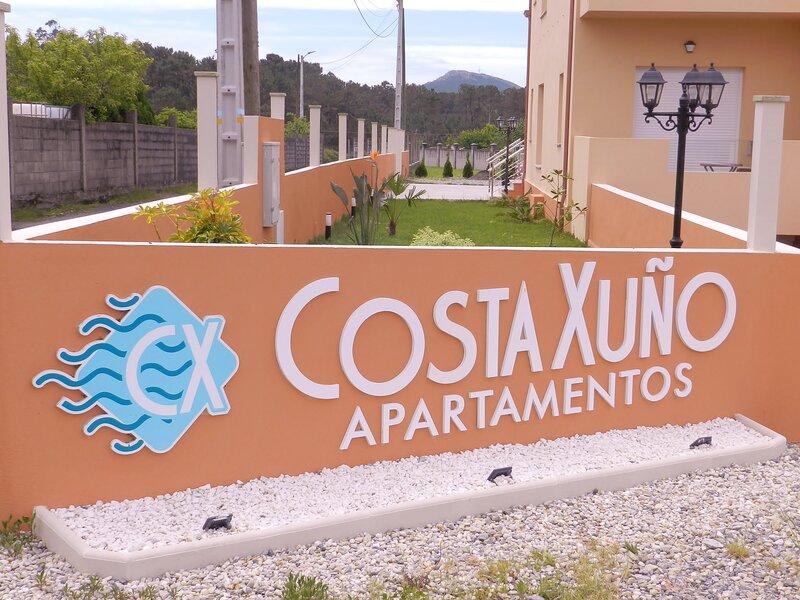 Apartamentos  Costa  Xuño, holiday rental in Serans
