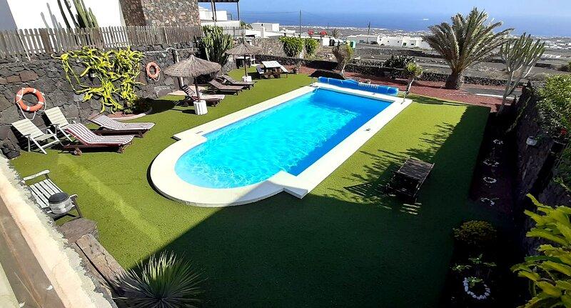 Casa de vacaciones Casa Yuno con piscina privada y vista al mar en La Asomada, holiday rental in Conil