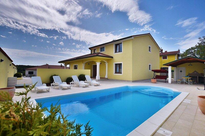 Villa Monica, holiday rental in Butkovici
